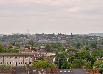 Thumbnail 2 bedroom flat for sale in Finchley Road, Hampstead