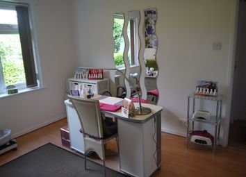Thumbnail Retail premises for sale in Beauty, Therapy & Tanning