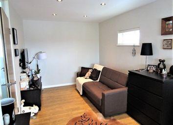 Thumbnail Studio to rent in Alexandra Grove, London