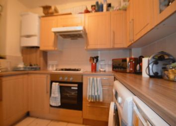 3 bed flat to rent in White City Estate, London W12