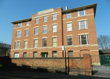 Thumbnail 2 bed flat to rent in 5 Poplar Walk, Croydon