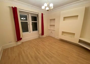 2 bed flat to rent in Union Street, Larkhall, South Lanarkshire ML9