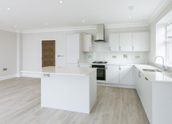 St Mary's Road, Surbiton KT6. 2 bed flat for sale
