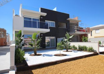 Thumbnail 3 bed bungalow for sale in Avenida Ramón Valle Inclán 03184, Torrevieja, Alicante