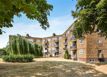 3 bed flat for sale in Lakeside Court, Green Lanes, London N4