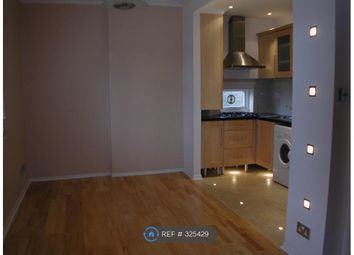 Thumbnail 2 bed flat to rent in Northwood, London