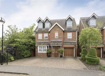 Thumbnail 5 bedroom detached house for sale in Hilltop Walk, Harpenden, Herts