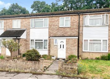 Reynards Close, Tadley, Hampshire RG26. 3 bed terraced house