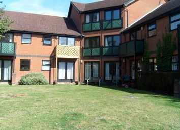 Thumbnail 1 bed flat to rent in Alexandra Road, Farnborough