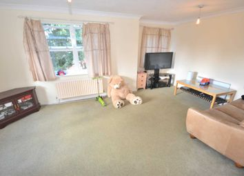 1 bed flat to rent in Vanbrugh Court, London Road, Reading, Berkshire RG1