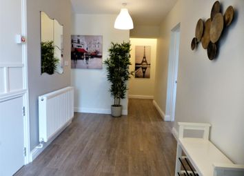 Thumbnail Room to rent in Rotheram Avenue, Luton