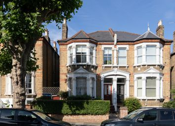Erlanger Road, Telegraph Hill SE14. 3 bed maisonette