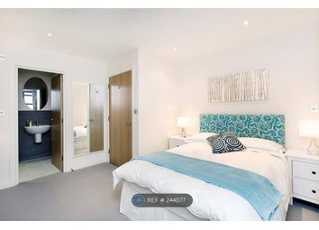 Thumbnail 2 bed flat to rent in Lavender Hill, London
