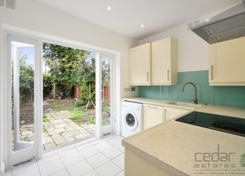 Thumbnail 2 bed flat to rent in Lichfield Road, London