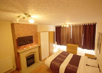 Thumbnail Room to rent in Talia House, Manchester Road, London