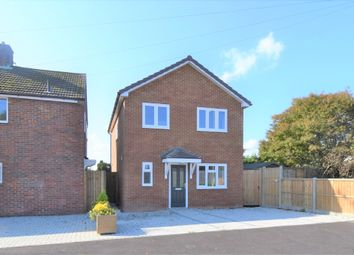 Thumbnail 3 bed detached house for sale in Warwick Road, Kennington, Ashford