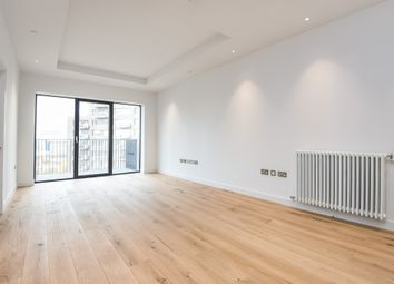 Thumbnail 1 bed flat to rent in Botanic Square, London