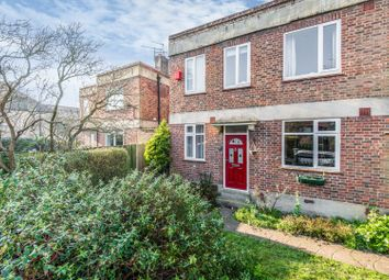 2 bed maisonette for sale in Vale Close, Twickenham TW1
