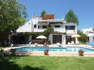 Thumbnail 3 bed villa for sale in Praia Coelho, Algarve, Portugal
