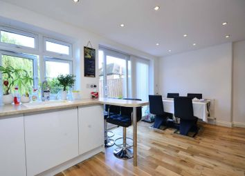 Thumbnail 3 bed flat to rent in Gordon Road, West Finchley