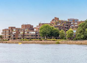 Thumbnail 2 bed flat for sale in River Gardens, Fulham