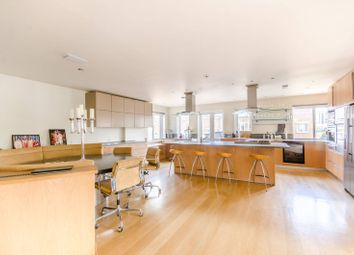 2 bed flat for sale in Mendip Court, Battersea, London SW11