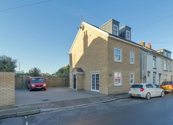 Thumbnail 1 bed flat to rent in Connaught Road, Sittingbourne