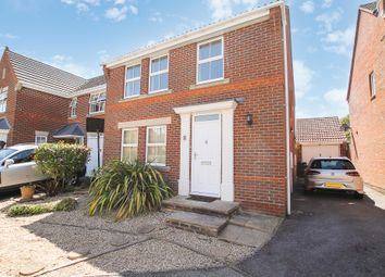 Thumbnail 4 bed detached house to rent in Hollyacres, Worthing