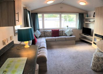 Thumbnail 2 bedroom mobile/park home for sale in Rockley Park, Poole