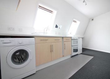 Thumbnail 1 bed flat to rent in Clifton Road, Isleworth