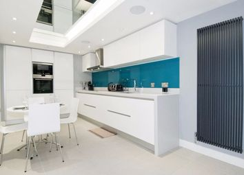 Thumbnail 2 bedroom town house for sale in Chapter Street, London