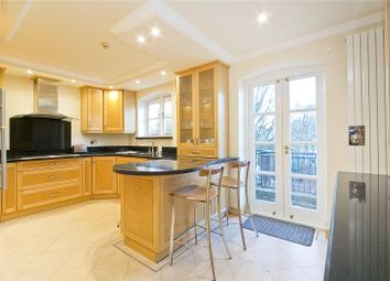 3 bed terraced house to rent in Thornhill Bridge Wharf, Barnsbury, London N1