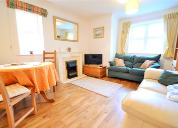 Thumbnail 2 bed flat to rent in Horley, Surrey