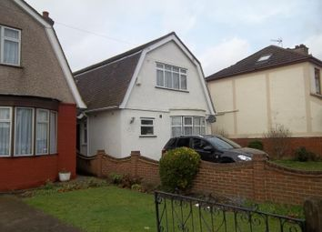 Thumbnail 5 bedroom shared accommodation to rent in Blacksmiths Lane, Rainham