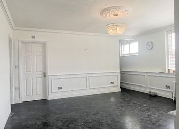 2 bed flat to rent in Dean Street, London W1D