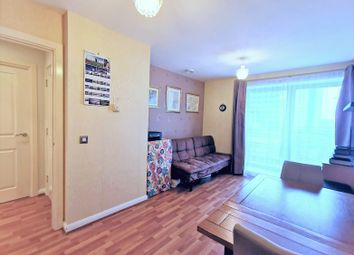 Thumbnail 1 bed flat for sale in 5 Newport Avenue, Canary Wharf, London
