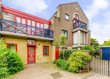 Thumbnail 2 bedroom property to rent in Peartree Lane, Wapping