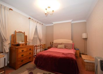 Thumbnail Room to rent in New Haw Road, Addlestone