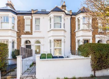 4 bed flat to rent in Percy Road, London W12