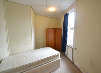 Thumbnail Room to rent in Manor Road, London