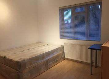 Thumbnail Room to rent in Daniel Place, London