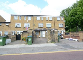 4 bed terraced house to rent in Whinchat Road, London SE28