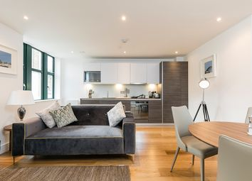 Thumbnail 1 bedroom flat for sale in Crescent House, Crescent Lane, Clapham, London