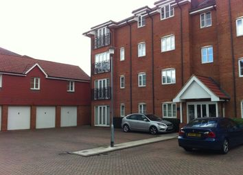Thumbnail 2 bedroom flat to rent in Vancouver Road, Broxbourne