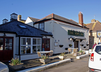 Thumbnail Pub/bar for sale in Kent - South Coast Town Pub CT21, Kent