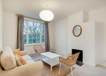 2 bed flat to rent in Reform Street, London SW11
