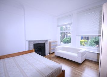 2 bed flat to rent in Freegrove Road, Islington N7