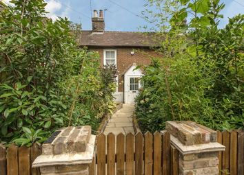 Thumbnail 2 bed cottage to rent in Oldfield Road, London