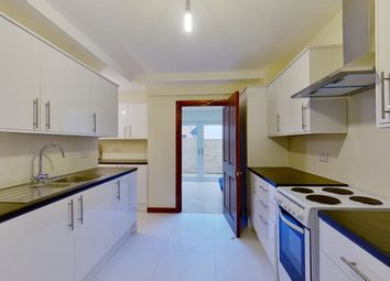 6 bed terraced house to rent in The Bittoms, Kingston Upon Thames, Surrey KT1