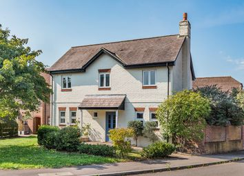 Thumbnail 3 bed detached house for sale in Holders Close, Billingshurst